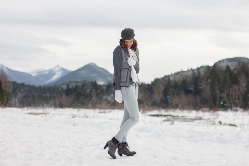 5 Tips For Staying Warm in the Winter Without Sacrificing Style