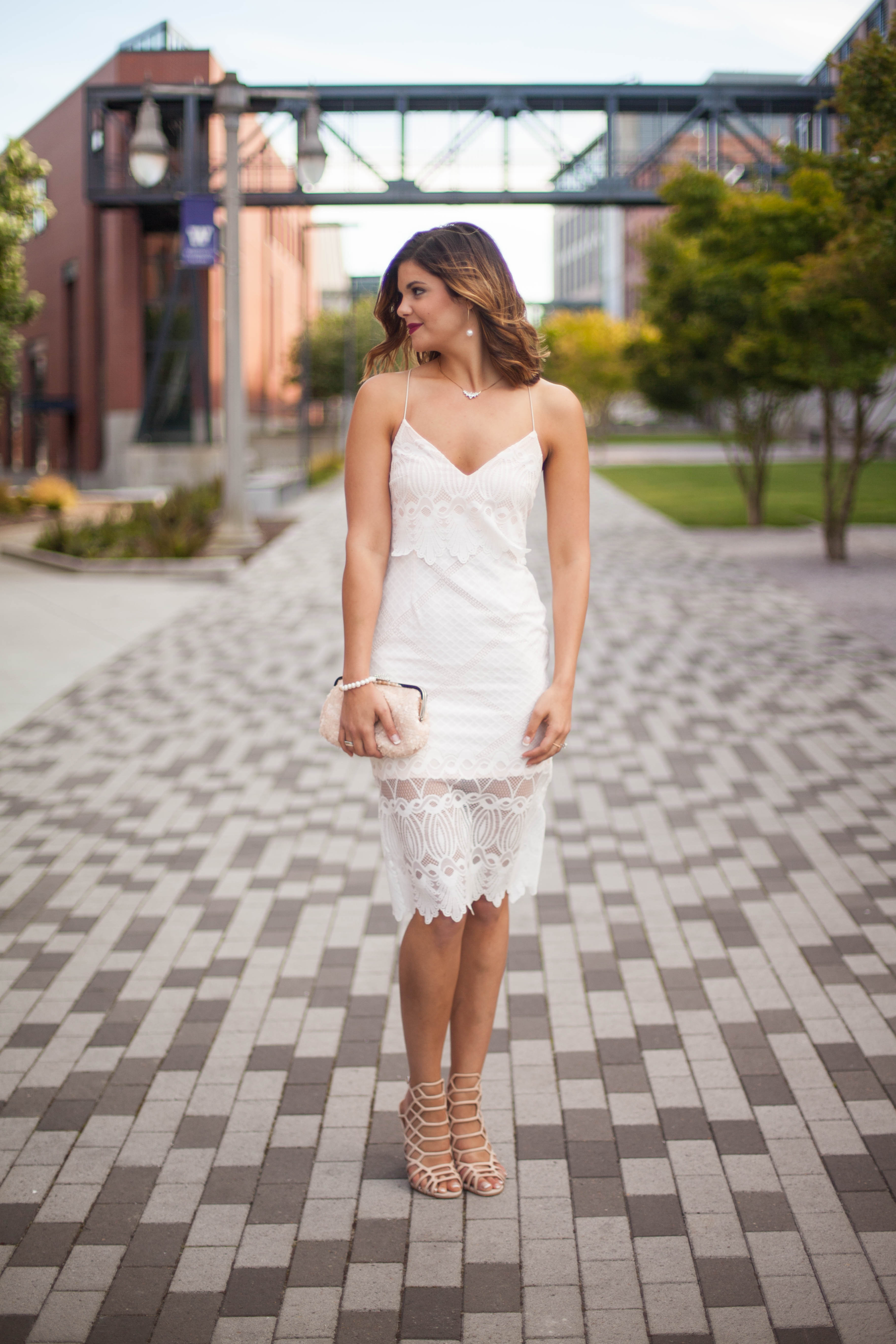 How to accessorize white summer dress