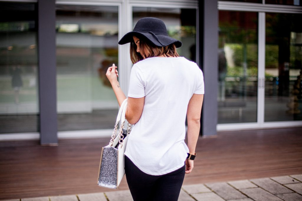 10 Ways to Style a White Tee | Black and White | Why You Need a White tee